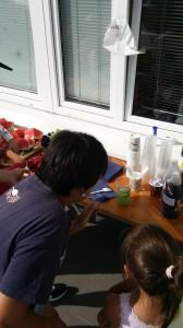Děti si mohly vyzkoušet chemické pokusy.